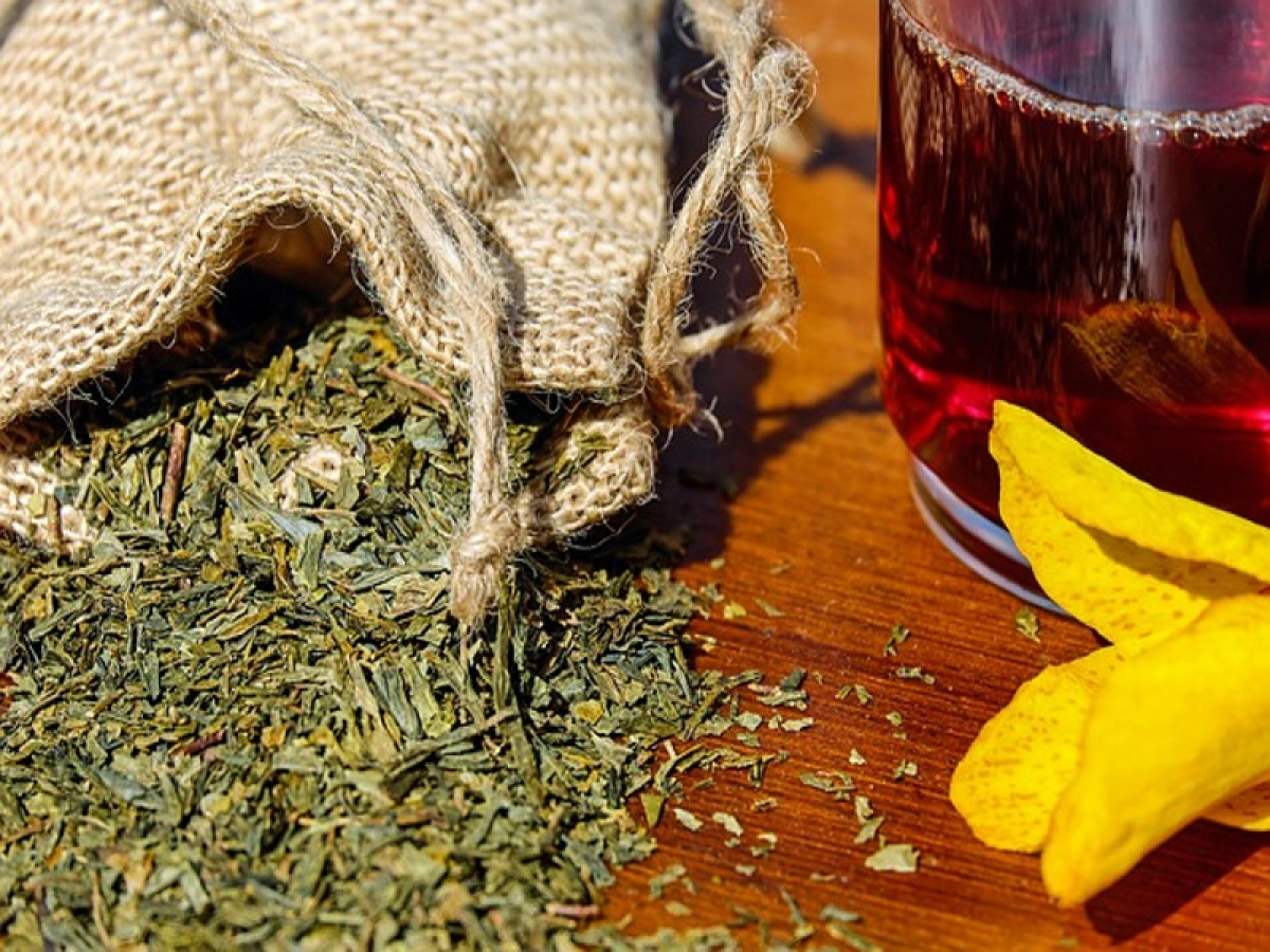 Le differenze fra le tisane, gli infusi e il tè