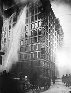 "fabbrica di camicie ""Triangle Shirtwaist Company"" di New York"