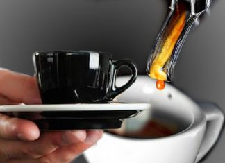 Un caffè sospeso, il calcolo sbagliato dell'economia