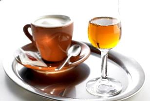 Caffè corretto con grappa