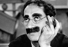 Groucho Marx, biografia di un comico irriverente