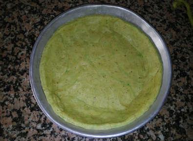 Crostata Integrale di Cipolle Rosse con Brisée al Pesto, impasto steso