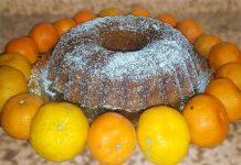 Ciambellone integrale all'arancia, mandarini e gocce di cioccolato