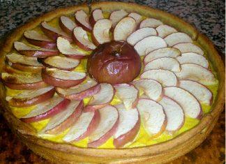 Crostata integrale senza zucchero con mele, limone e cannella