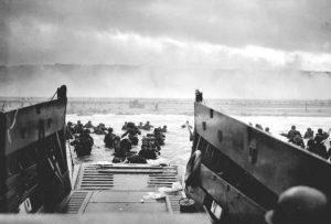 Robert Capa foto Sbarco in Normandia 1