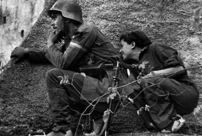 Robert Capa fotografa Gerda Taro guerra civile spagnola