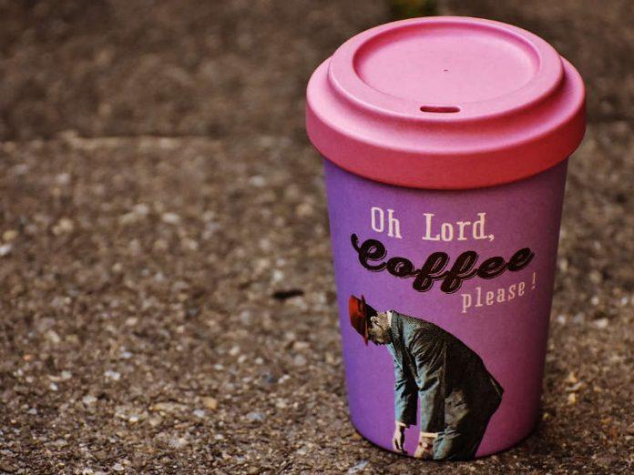 Tassa sui bicchieri di caffè monouso in arrivo a Londra