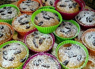 Muffin integrali con cocco frutti di bosco senza zucchero