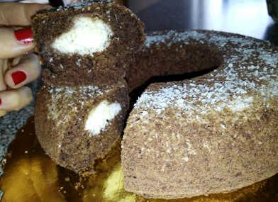 Ciambella integrale al cacao ripiena con crema di cocco 2