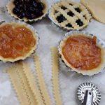 La Crostata di ricotta e cioccolato con frutta candita: crostatine
