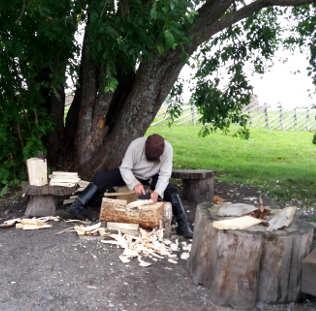 reportage crociera fluviale la via degli zar: Kizhi artigiani
