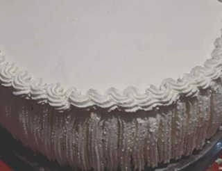 Preparaziione Torta gelato decorata con fiori di zucchero 8
