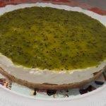 Cheesecake fredda ricetta senza cottura con frutta estiva, con kiwi
