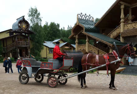 Reportage crociera fluviale la via degli zar: Mandroga folklore
