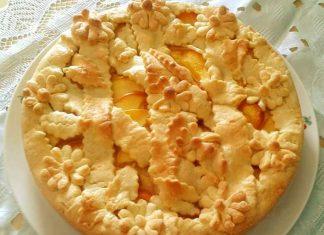 La Crostata di pesche e crema pasticcera