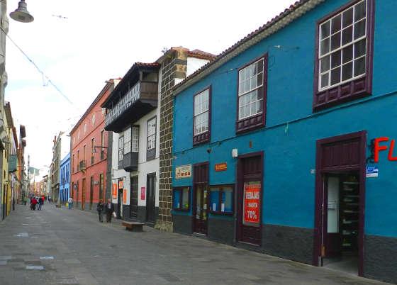 A San Cristóbal de La Laguna,, strada a