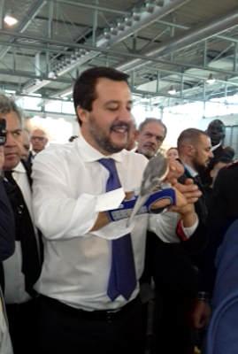 pappagalli a Fieracavalli Matteo Salvini