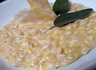 Risotto alla zucca cremoso con Parmigiano in cialde
