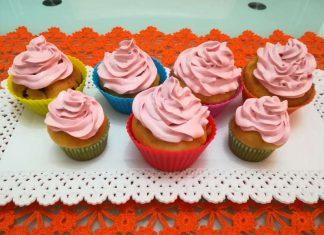 Cupcake allo yogurt con frosting senza burro