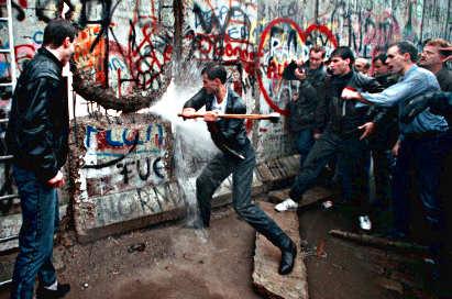 muro di Berlino, E Tu di che Mito sei? 3
