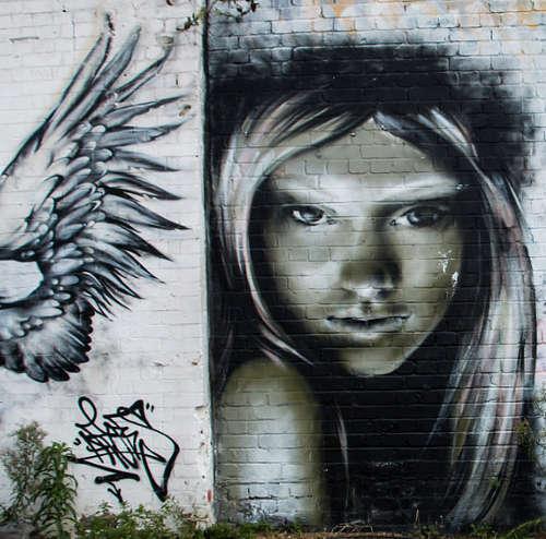 Antony, Volti di donne nella street art