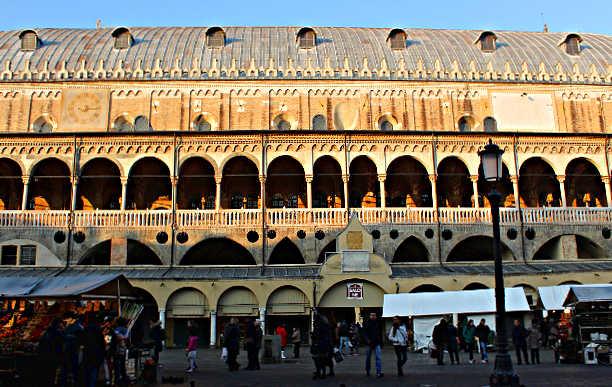 Piazze di Padova, la città del Santo