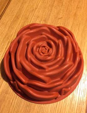 Ingredienti Torta senza glutine con crema pasticcera a forma di rosa