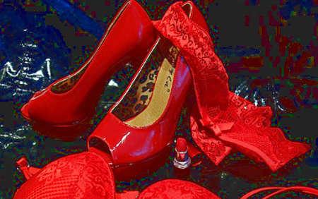 Tradizioni e riti portafortuna per il nuovo anno: intimo rosso
