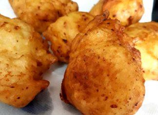 Zeppole di Natale calabresi ricetta con patate ed alici piccanti