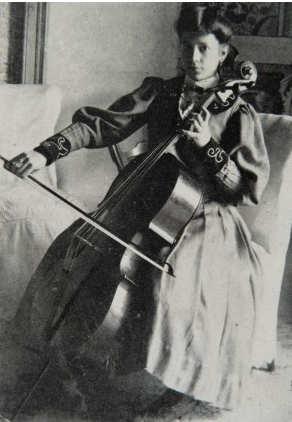 Viaggiatrice Aurora Bertrana