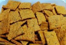Crackers ricetta al gusto pizza senza lievito