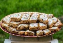 Papassini con la glassa Sos papassinos ingappatos ricetta sarda semplice