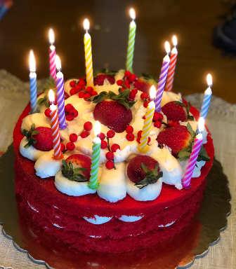 Ingredienti Torta red velvet una torta di compleanno con crema al mascarpone
