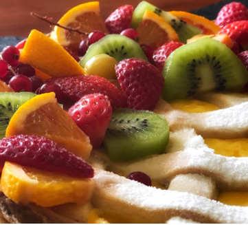 Ingredienti Crostata con crema pasticcera decorata alla frutta