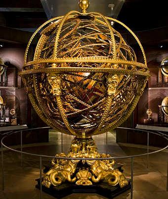 una sfera armillare