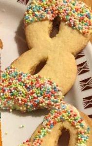 Ingredienti Dolci di Carnevale al forno senza glutine maschere di frolla