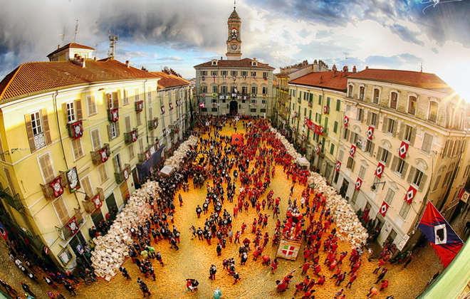 La battaglia delle arance foto di Franco Marino