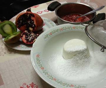 Ingredienti Torta cuore spezzato con ricotta, fragole e maraschino