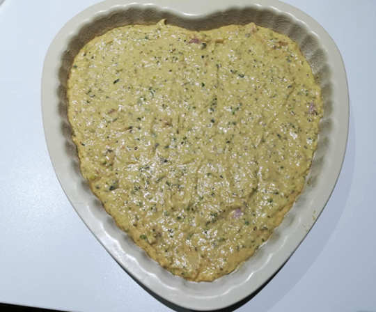 Preparazione Torta salata integrale allo yogurt svuota frigo