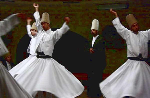 Foto La danza dei dervisci rotanti