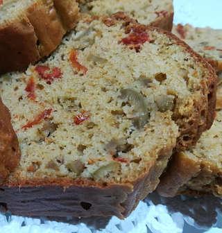 Ingredienti Plumcake salato integrale con olive e pomodori secchi senza lievito