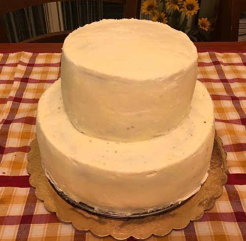 Ricoprire Torta di compleanno con crema di ricotta siciliana
