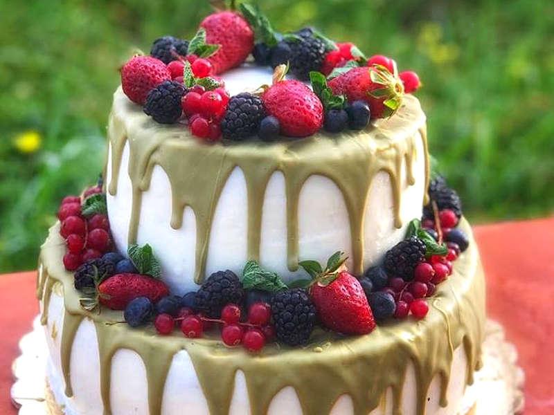 Torta di compleanno con crema di ricotta siciliana