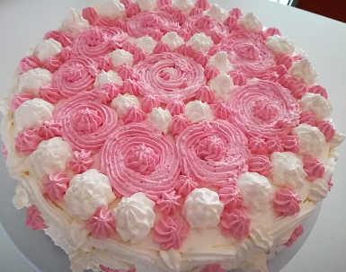 Decorazione Torta di compleanno con crema pasticcera e bagna all'Alchermes