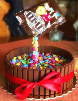 Ingredienti Torta cioccolato Kit Kat smarties e crema al mascarpone