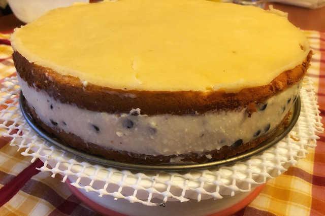 Decorazione della Cheesecake fredda a Cassata siciliana