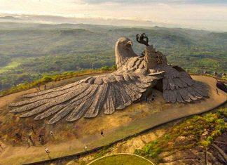 La statua dell'aquila più grande del mondo nata da una leggenda