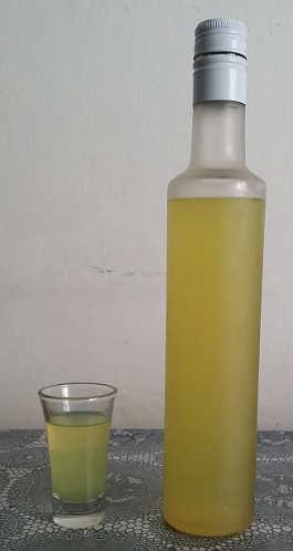 Preparazione Limoncino limoncello ricetta semplice fatta in casa
