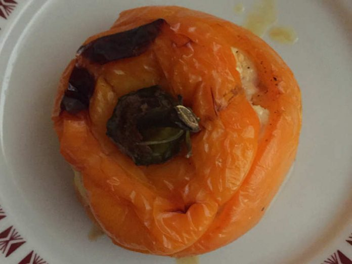 Peperoni ripieni con uova romano e mollica senza glutine