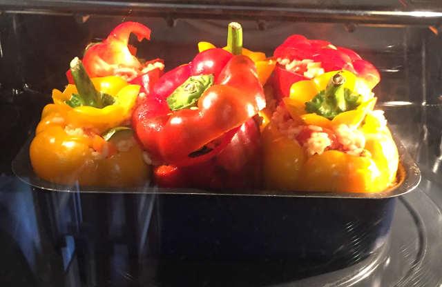 I Peperoni ripieni di riso e verdure al forno